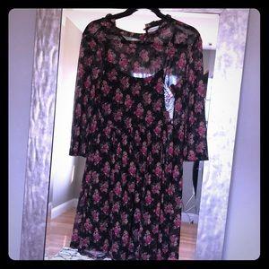 Mid sleeve dress